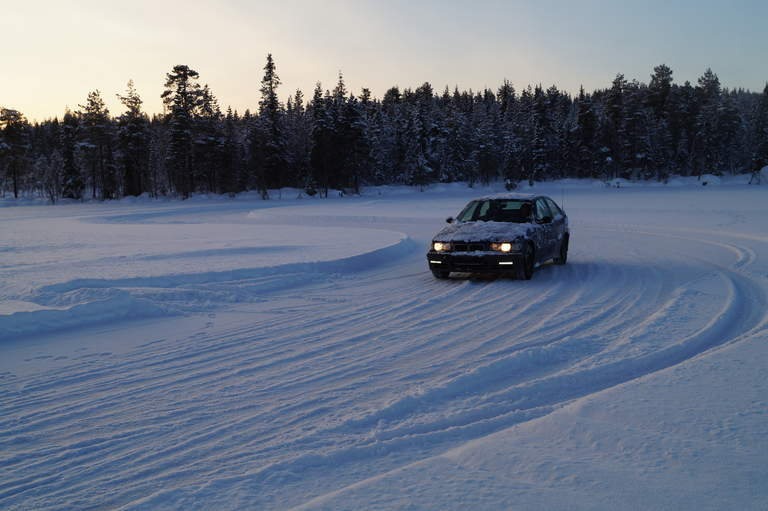 Car on the Myrkulla Icetrack