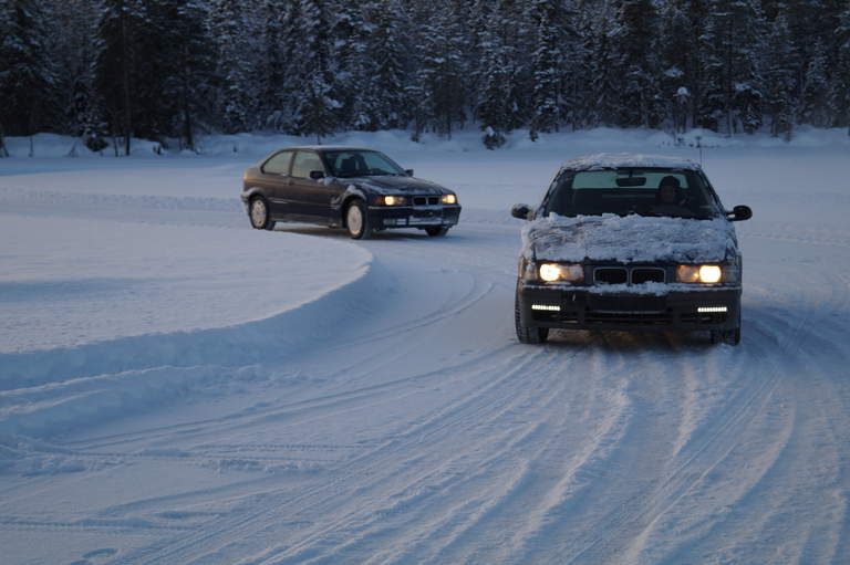 Cars on the Myrkulla Icetrack